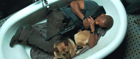 i_am_legend_will_smith_in_bathtub_with_samantha